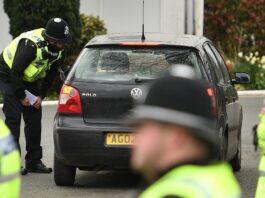 La segunda fuerza policial más grande del Reino Unido se enfrenta a una investigación sobre la pistola Taser de hombres negros