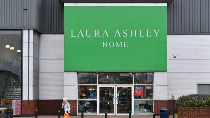 Laura Ashley colapsa y otros trabajos en riesgo de coronavirus