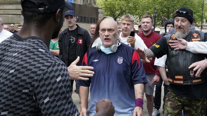 Opinión instantánea: 'Los racistas creen que Inglaterra es de ellos'