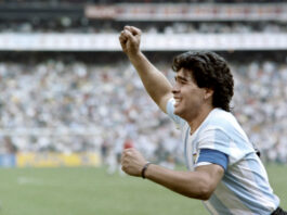 """Opinión instantánea: Maradona era una """"superestrella dolorosamente humana"""""""