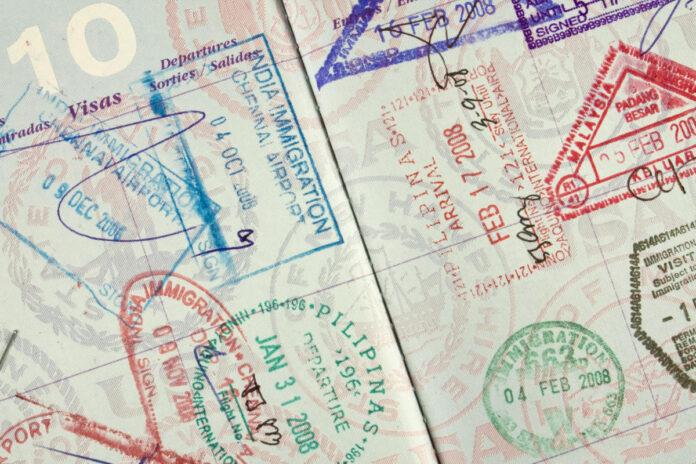 Apple, iOS, iPhone, smartphones, passports, digital ID, identity
