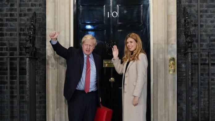 Boris Johnson: examinó los primeros 100 días